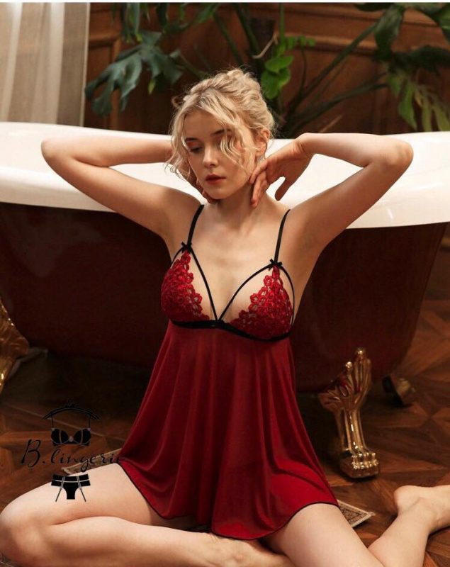 Váy Ngủ Sẻ Tà Sau Đỏ