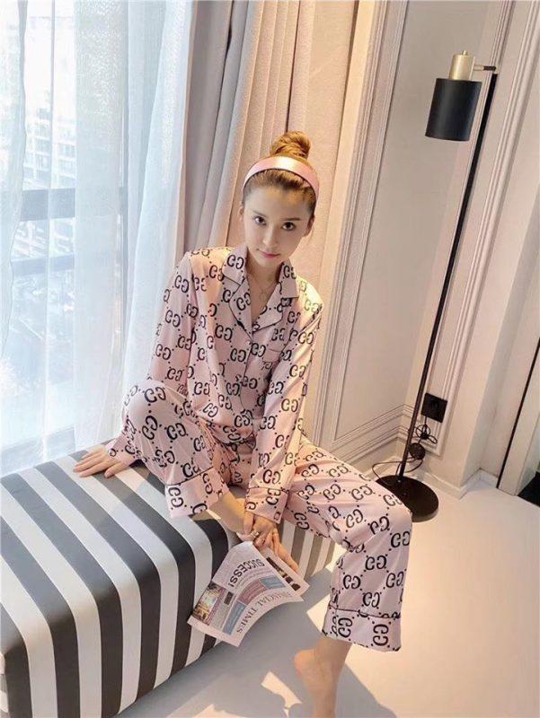 pijama g.u.c.c.i