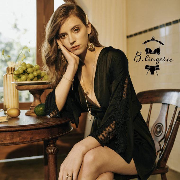 áo choàng đen quyến rũ